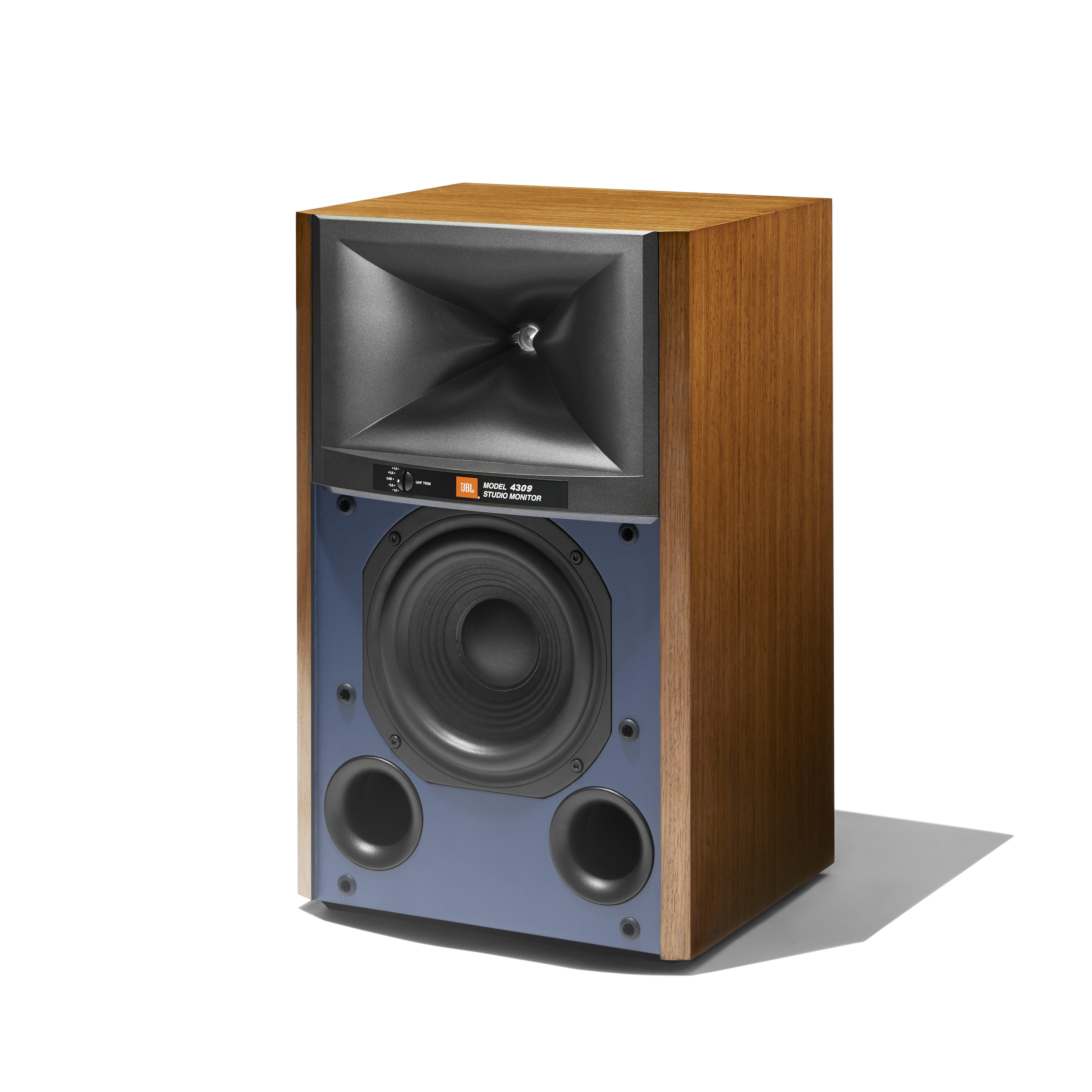 Harman Luxury Audio Packs 75 Years of Acoustic Excellence Into New Compact JBL 4309 Studio Monitor Series Bookshelf Loudspeakers