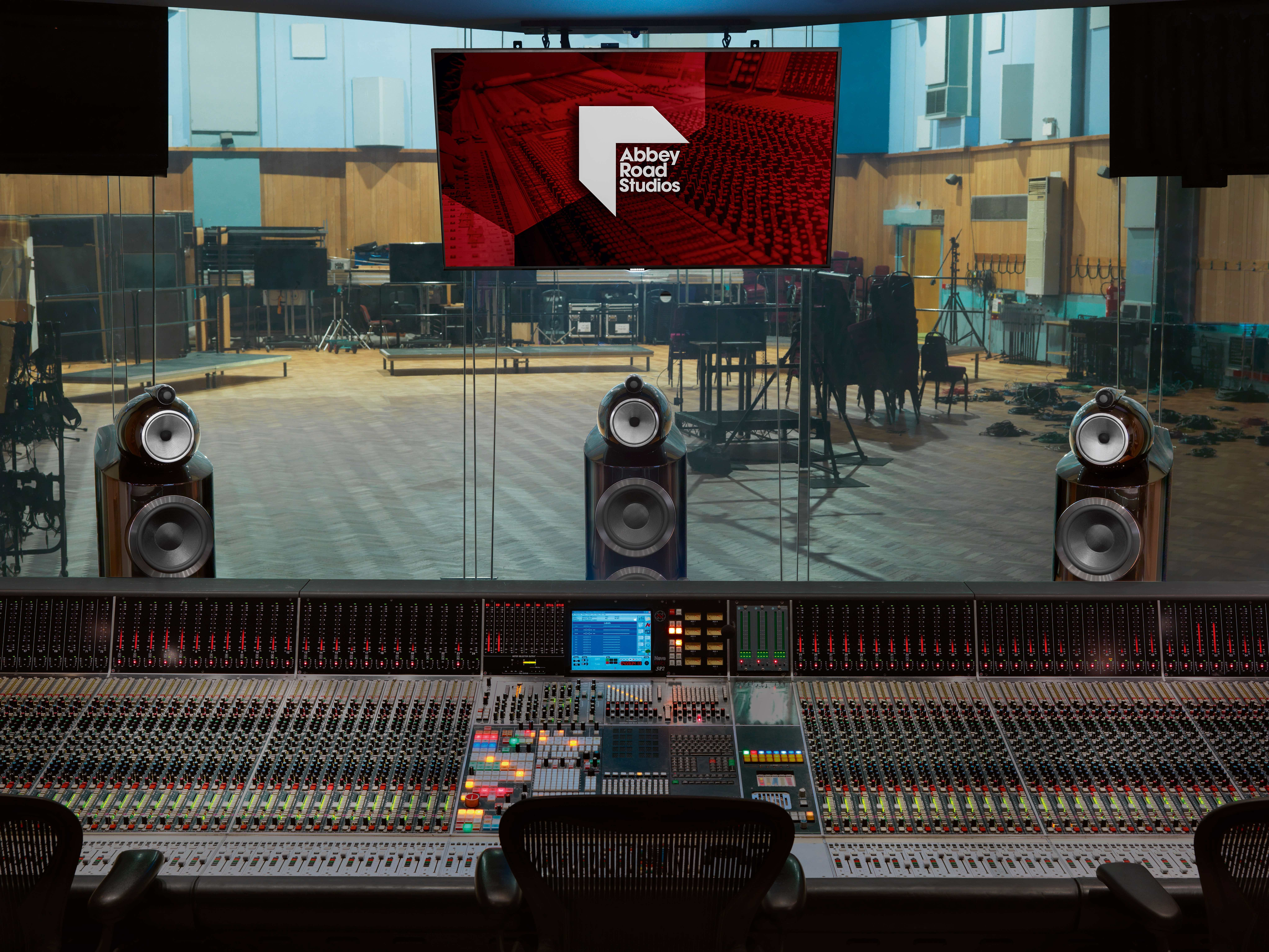Abbey Road Studios and Bowers & Wilkins Extend Partnership to Transform In-car Audio Entertainment