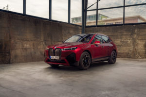 BMW iX x Bowers & Wilkins